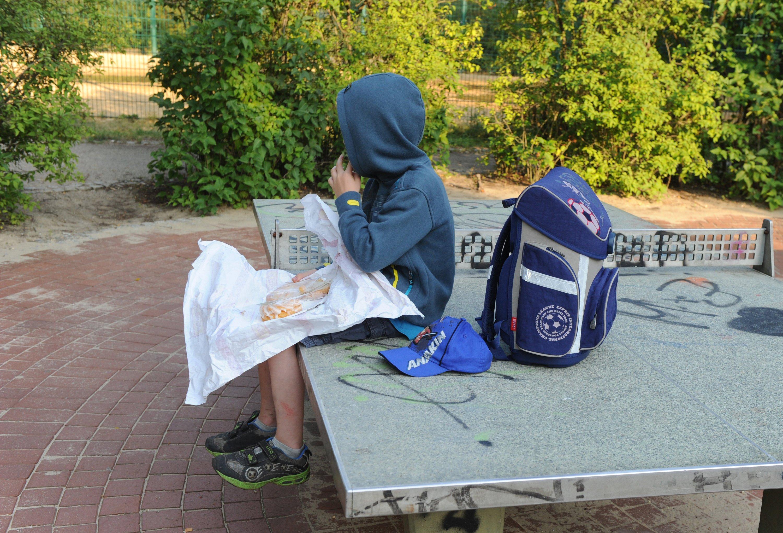 Völlig entspannt könnten Kinder künftig zur Schule gehen. Denn im Schulranzen befindet sich alles Unterrichtsmaterial, das benötigt wird. Wenn die Erfindung zweier Gymnasiasten umgesetzt wird, gibt es ein elektronisches Helferlein, das genau weiß, welche Bücher und Hefte jeweils benötigt werden.