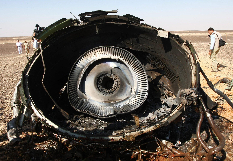 Am 31. Oktober stürzte der russischeAirbus A321-200 in Ägypten ab. Die Auswertung derbeiden Flugschreiber dauert noch an. Ob technisches Versagen oder ein Attentat das Unglück auslösten, ist noch offen.