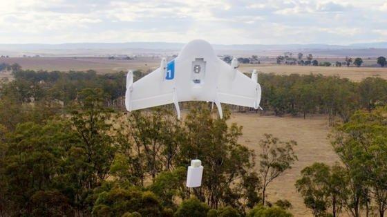 Google-Drohne mit Paket bei einem Testflug in Australien:Google hofft auf kommerzielle Drohnen-Flüge ab 2017.