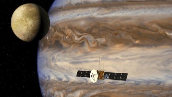Künstlerische Darstellung von Jupiter, seinem Mond Ganymed sowie der Raumsonde Juice. Die Sonde der ESA soll 2022 starten und wird knapp acht Jahre brauchen, bis sie den größten Planeten unseres Sonnensystems erreichen wird.