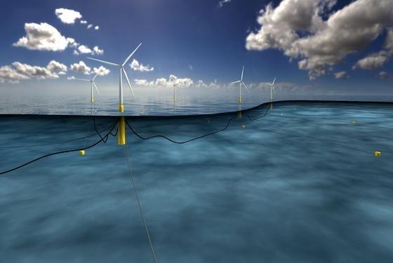 Der Windpark Hywind vor der schottischen Nordseeküste soll 20.000 Haushalte versorgen. Die fünf Windkraftanlagen sind aber nicht im Boden verankert, sondern schwimmen im Meer. Fixiert werden sie über Stahlseile.