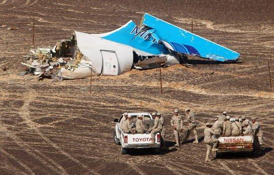 Brachte eine Bombe an Bord den russischen Airbus A321 zum Absturz? Die britische Regierung und US-Geheimdienste halten dies inzwischen für wahrscheinlich.
