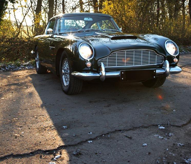 Eines der schönsten Bond-Autos: der DB5 von Aston Martin.