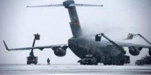 Trampolineffekt lässt Wasser von Flugzeugen abperlen