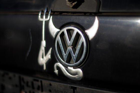 """Von der CO<custom name=""""sub"""">2</custom>-Manipulation sind rund 800.000 Fahrzeuge betroffen –viele von ihnen gehören zur BlueMotion-Reihe, die VW als besonders umweltschonend und spritsparend beworben hat."""