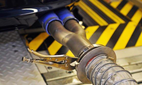 """Laut Kraftfahr-Bundesamt befinden sich derzeit und infolge der Enthüllungen bei VW mehr als 50 Diesel-Modelle in- und ausländischer Hersteller in der """"Nachprüfung""""."""