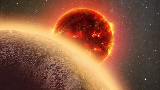 Computergrafik: der erdähnlicheExoplanet mit der Katalognummer GJ 1132b vor seinem Heimatstern.