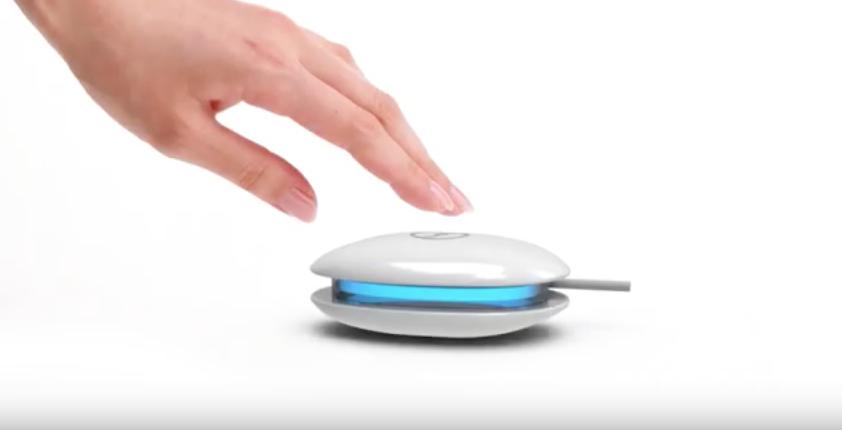 Mini-Waschmaschine Dolfi: klein im Format, dank Ultraschall groß in der Reinigungskraft.