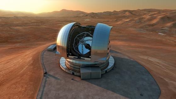Diese künstlerische Darstellung zeigt das European Extremely Large Telescope (E-ELT) in seiner Kuppel auf dem Cerro Armazones, einem 3060 Meter hohen Berg in der chilenischen Atacama-Wüste. Mit einem Hauptspiegeldurchmesser von 39,3 Metern wird das E-ELT das weltweit größte Teleskop für den sichtbaren und nahinfraroten Spektralbereich sein.