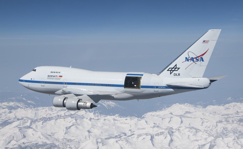 Sofia während eines Testflugs: Die modifizierte Boeing 747SP fliegt oberhalb der störenden irdischen Lufthülle – in bis zu 14 km Höhe. Das erlaubt einen tiefen Blick ins Weltall.