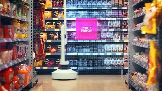 Der mobile Scan-Roboter Tally kann auch falsch ausgezeichnete Produkte aufspüren. Der Roboter erkennt Lücken im Sortiment und falsch eingeräumte Produkte. Er wird derzeit in den USA getestet.