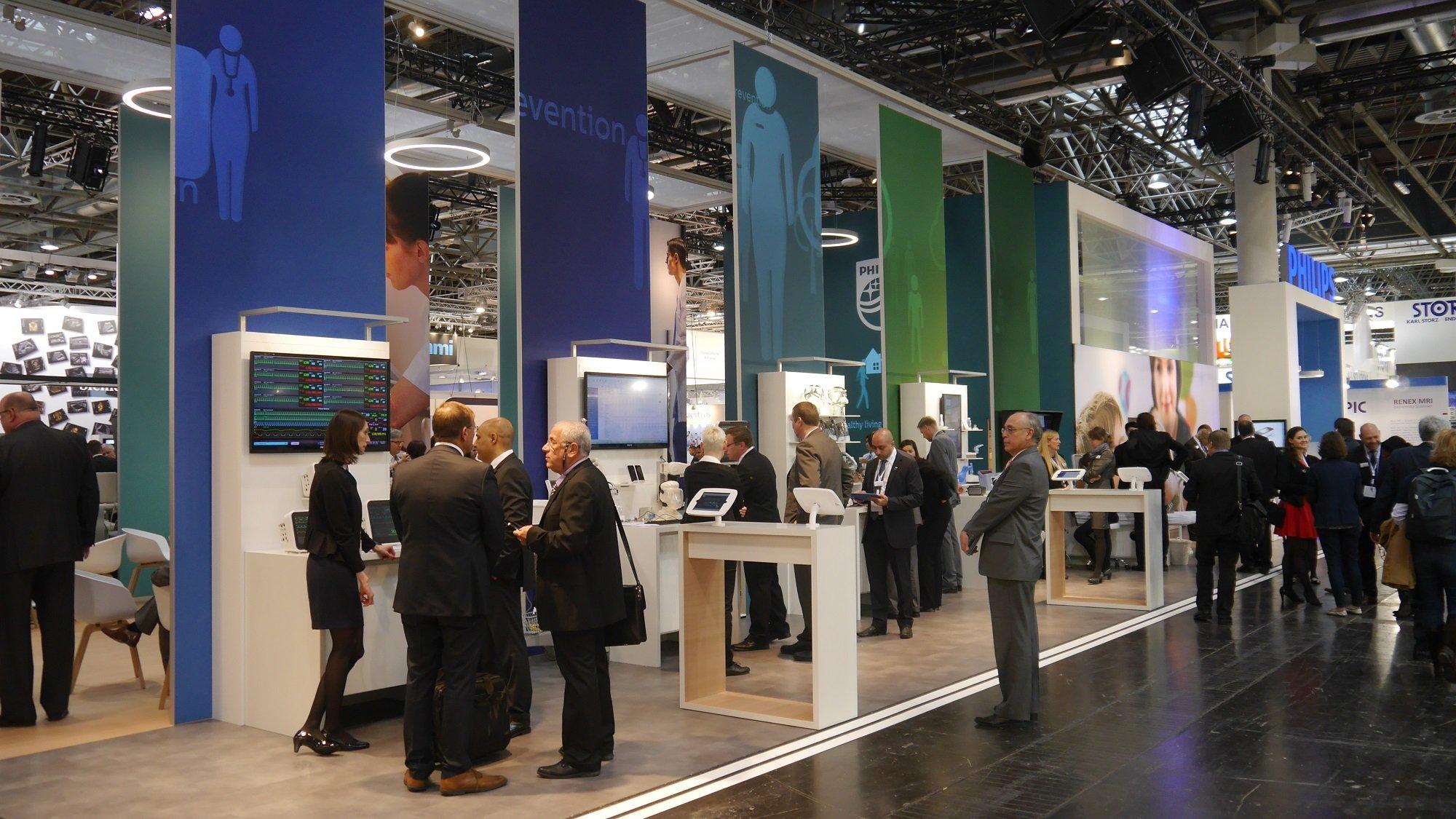 Philips präsentiert auf der Medica 2015 als Weltneuheit das erste Ultraschallgerät für Smartphone und Tablet.