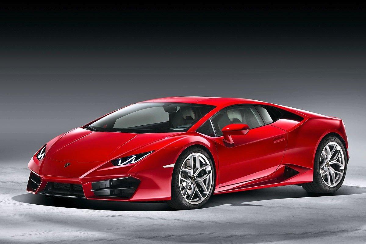 Der Lamborghini Huracán ist eine flache Flunder mit Heckantrieb. Das Coupé erreicht 580 PS aus 5,2 l Hubraum.