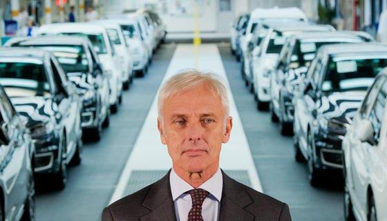 VW-Chef Matthias Müller muss anscheinend damit rechnen, dass der Konzern in den USA ältere Fahrzeuge zurückkaufen muss.