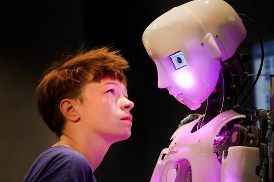 """Die Dasa-Ausstellung """"Die Roboter"""" widmet sich dem vielgestaltigen Verhältnis zwischen Mensch und Maschine."""