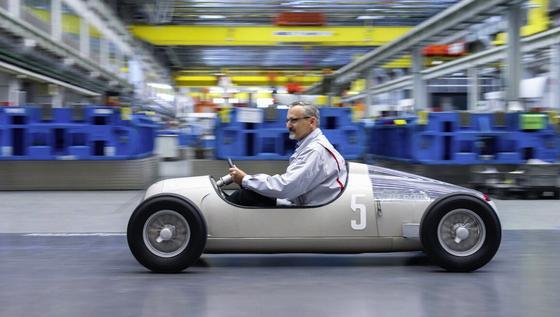 Hommage an den Silberpfeil Auto Union Typ C: Das Oldtimer-Replikat im Maßstab 1:2 kommt aus dem 3D-Drucker.