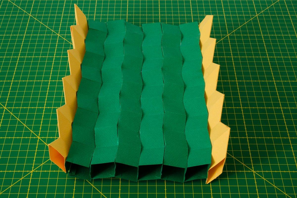 In Japan gibt es seit Jahrhunderten eine speziell Falttechnik, die unter dem Namen Origami bekannt geworden ist. Sie lässt sich durchaus auch in industriellen Prozessen nutzen.