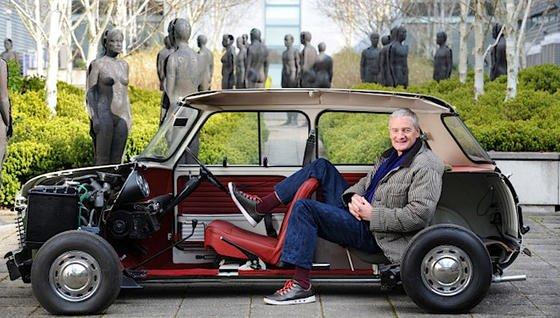 Milliardär James Dyson ist selbst Ingenieur und hat 55 Millionen € in die Entwicklung des hygienischen Luftbefeuchters investiert.