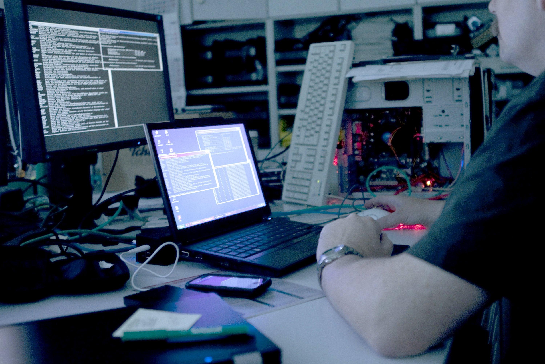 Anonymous hat die Enttarnung von Online-Bankkonten gemeldet, auf denen insgesamt drei Millionen Dollar liegen sollen, die der IS für Terror nutzen könne. Und behauptet, die Konten gesperrt zu haben.