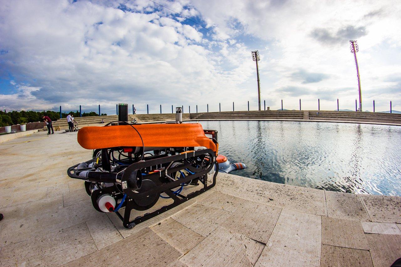 Tauchroboter unter Wasser mit Gesten zu steuern, das ist das Ziel im Forschungsprojekt CADDY, das von der EU mit 3,7 Millionen Euro gefördert wird und noch bis 2017 läuft.