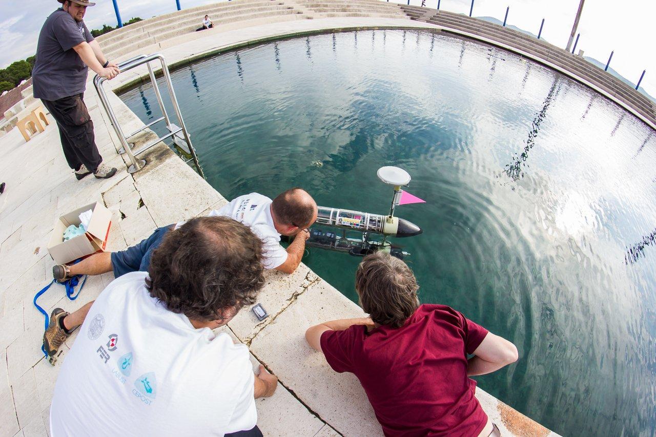 In Kroatien wurden gerade Unterwassertests erfolgreich durchgeführt. Die Universität Zagreb koordiniert das EU-Forschungsprojekt CADDY zur Entwicklung eines gestengesteuerten Tauchroboters.
