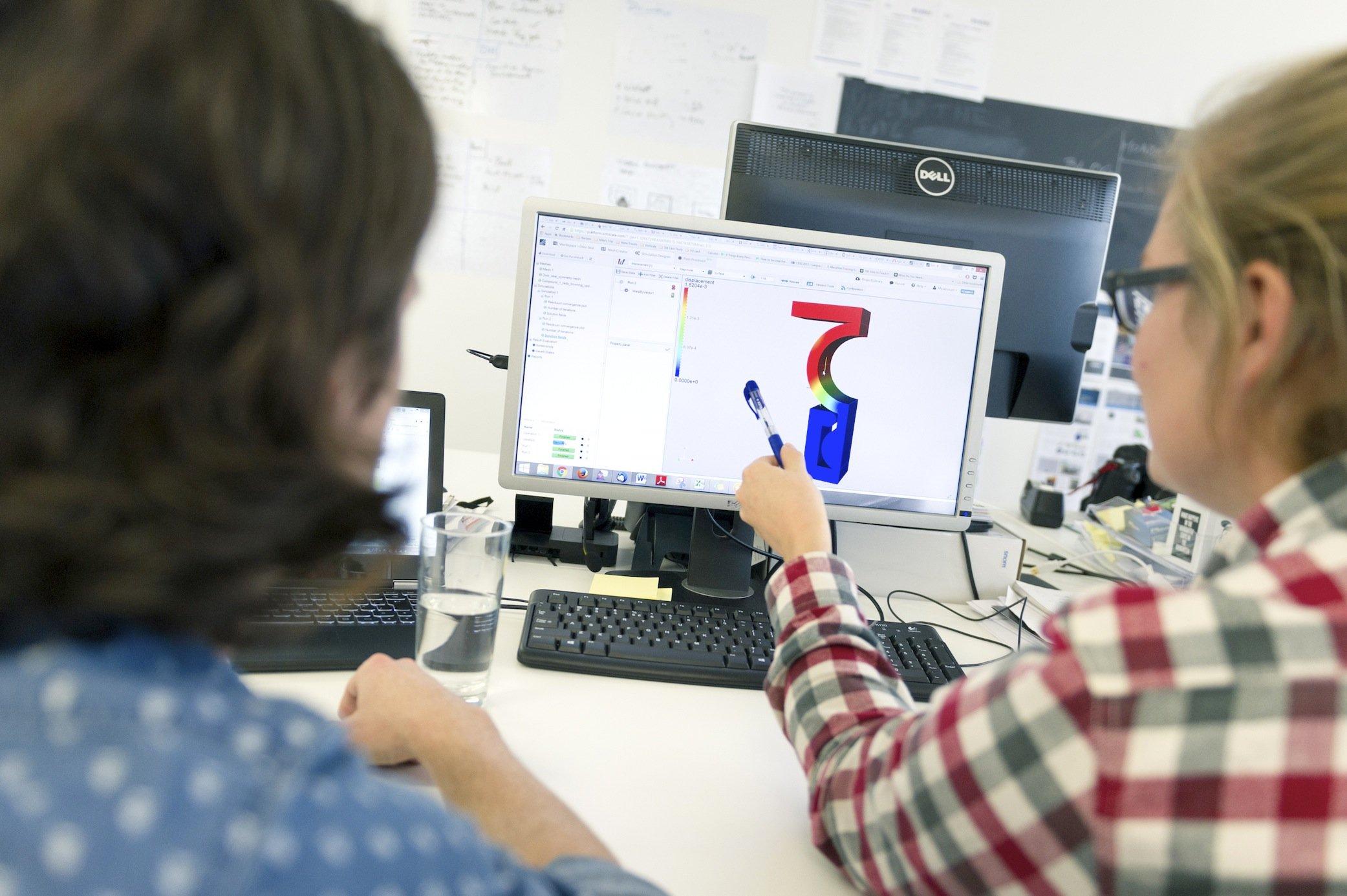 Die Simulationssoftware ist webbasiert und ermöglicht sogar Studenten, beispielsweise das Strömungsverhalten eigener Entwürfe zu testen.
