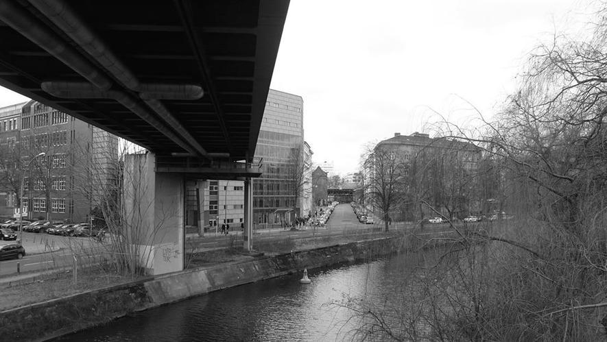Quer durch Berlin: 9 km langer Radweg mit Dach und grüner Welle