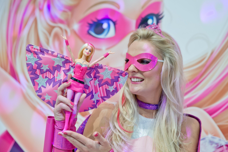 Barbie ist für viele Kinder die beste Freundin: Doch die neue sprechende Barbie überträgt alles, was sie hört in eine Cloud, die sich offenbar kinderleicht hacken lässt.