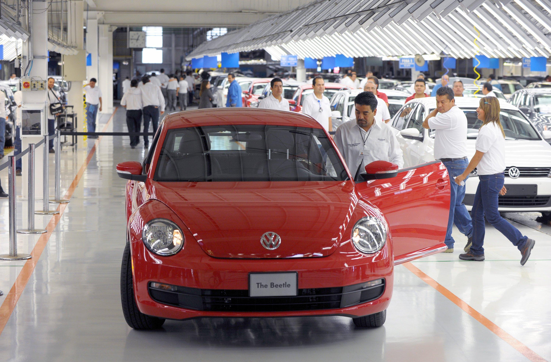 Produktion des VW Beetle im Werk Puebla in Mexiko: Der Absatz von VW-Modellen in Mexiko ist durch den Diesel-Skandal stark eingebrochen.
