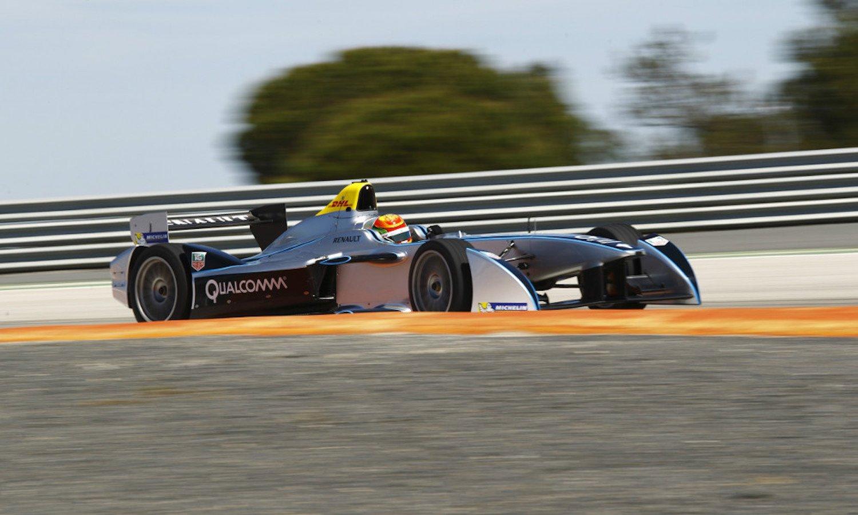 Fahrer der Formula-E. Veranstalter der Rennen istdie Fédération Internationale de l'Automobile (FIA).