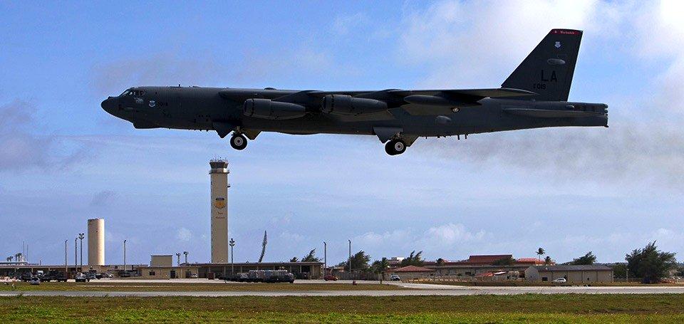 Der B-52 Bomber von Boeing ist schon seit über 50 Jahren in Betrieb. Der neue LRS-B soll sogar 80 Jahre lang fliegen.