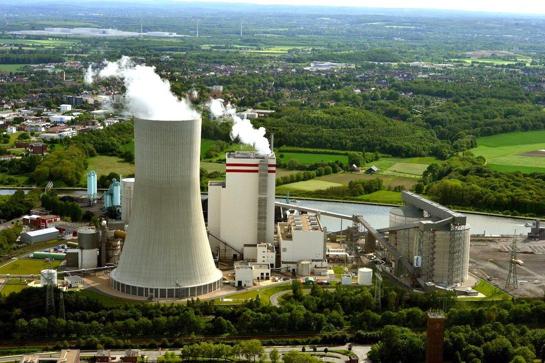 Das Trianel Steinkohlekraftwerk in Lünen stößt praktisch kein Quecksilber aus und ist damit eines der saubersten Kohlekraftwerke in Deutschland. Der Stadtwerkeverbund hat 1,4 Milliarden € in das 750-Megawatt-Kraftwerk investiert, dasrund 1,6 Millionen Haushalte mit Strom versorgt.