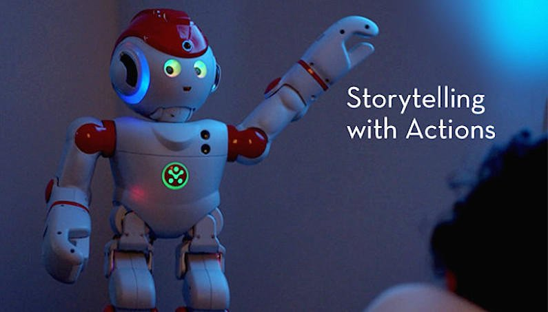 Der kaum 50 cm große Roboter Alpha 2 kann gestenreich Gute-Nacht-Geschichten erzählen. Dass er dabei nicht wie eine geklonte Mama aussieht dürfte eher von Vorteil sein.