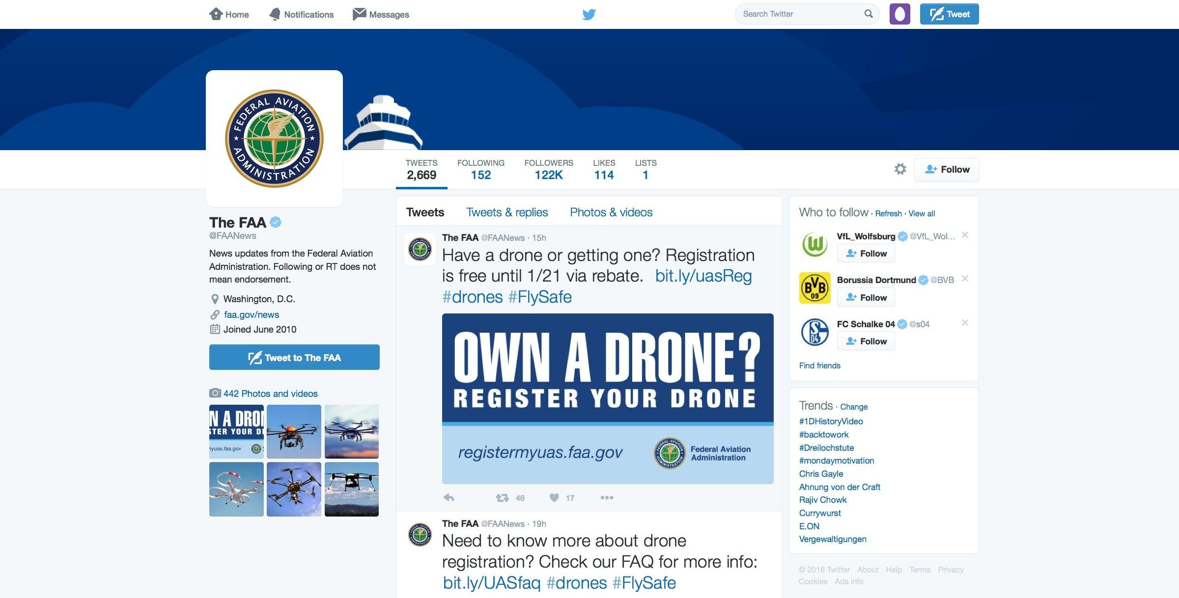 Selbst per Twitter wirbt die Flugaufsicht FAA dafür, Drohnen ab 250 g in den USA zu registrieren. Bei Unfällen können die Inhaber der Drohnen so schnell registriert werden.