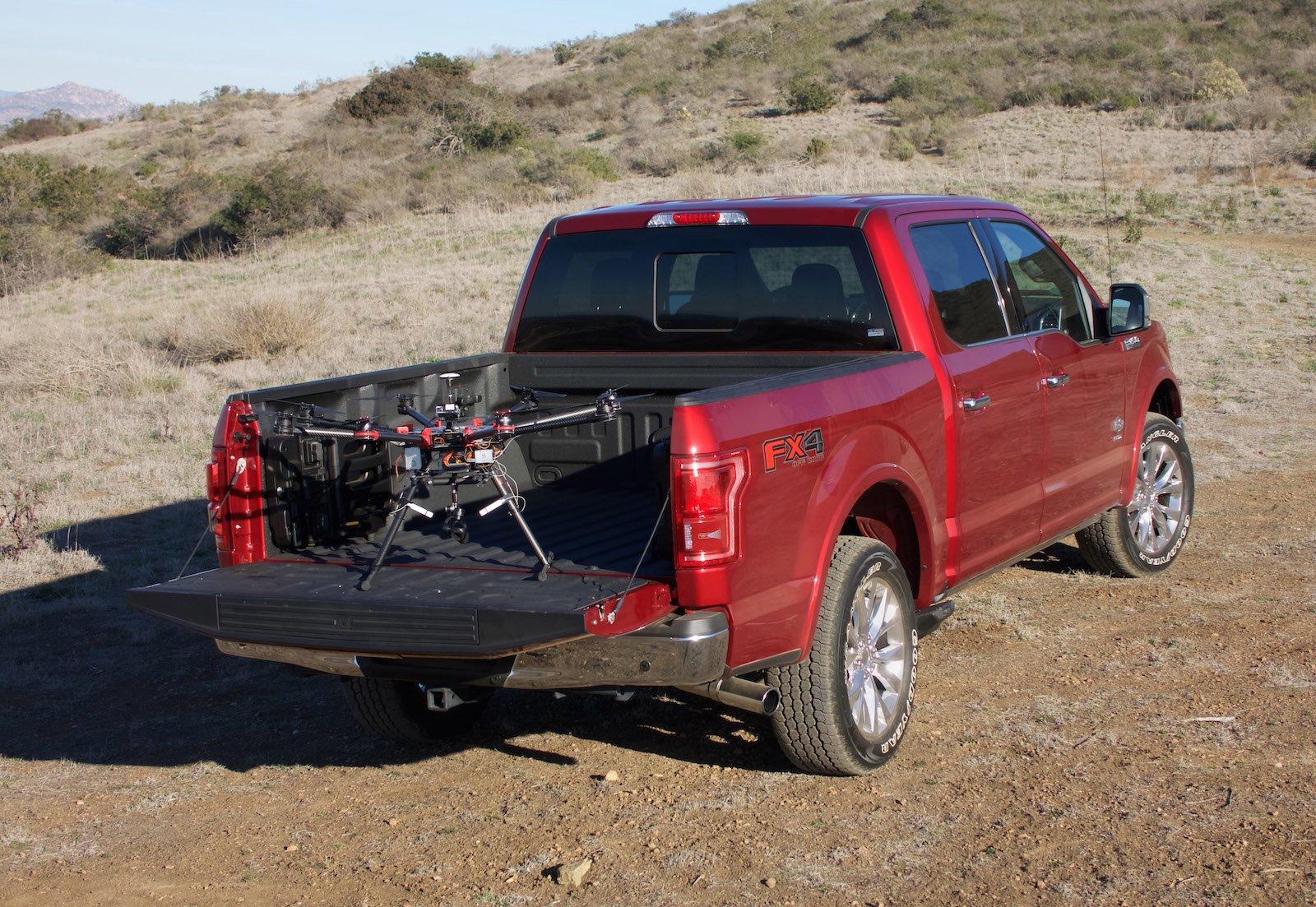 Ford F-150 Pickup: Der Autoherstellerfördert die Entwicklung von Drohnen-Fahrzeug-Konzepten für schnellere Notfallhilfe bei Katastrophen.