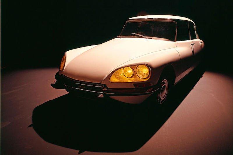 Die Hydropneumatik kam erstmals 1955 erstmals im Modell DS zum Einsatz – eine Markenikone, die als