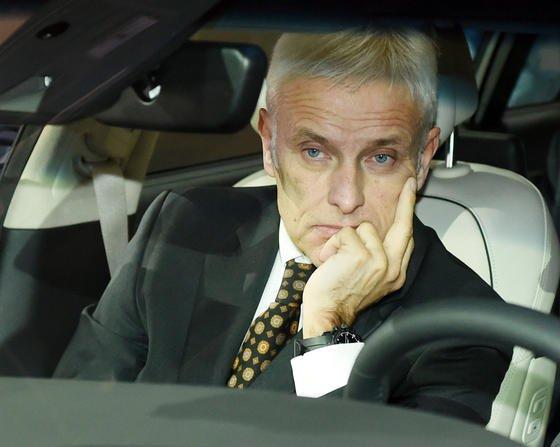 Ein nachdenklicher VW-Chef Matthias Müller auf der Detroit Motor Show: Unmittelbar vor seinem Gespräch mit der Chefin der Umweltbehörde EPA wurden die angebotenen Maßnahmen zur Bewältigung des Dieselskandals als unzureichend abgelehnt.