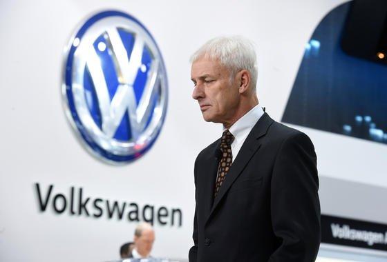 VW-Chef Matthias Müller auf der Detroit Motor Show: Die US-Reise des Konzernchefs blieb ohne durchschlagenden Erfolg. Das Gespräch mit EPA-ChefinGina McCarthy war kurz und ohne konkretes Ergebnis.