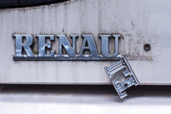 Razzia bei Renault: Jetzt steht auch der französische Autohersteller unter dem Verdacht, die Dieselemissionen seiner Fahrzeuge bewusst manipuliert zu haben.