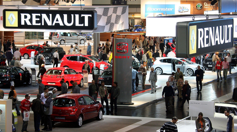 Renault-Stand auf der Messe AMI in Leipzig:Bislang gaben sich Renault und PSA als Saubermänner aus und haben immer wieder bekräftigt, die saubersten Diesel zu bauen. Jetzt gerät nach der Razzia bei Renault auch die französische Autoindustrie in Verdacht, bei den Emissionswerten zu manipulieren.