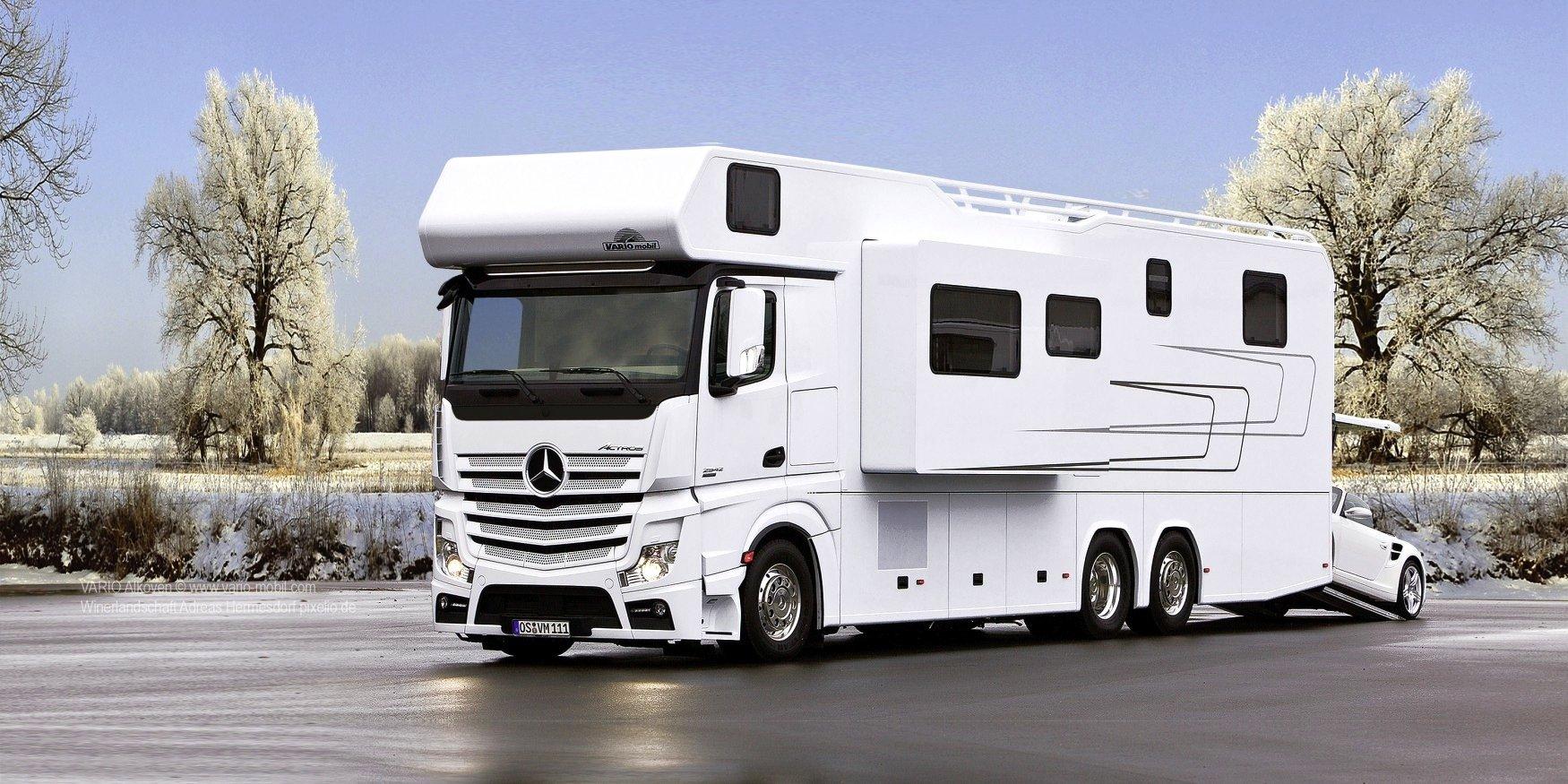 Auch im Winter kuschelig warm und viel Platz für das Auto: Das Luxuswohnmobil Alkoven 1200 von Vario mobil kostet in der Basisversion fast 600.000 €.