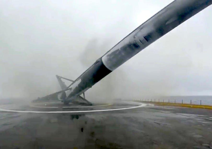 Schon zum 4. Mal explodiert SpaceX-Rakete bei der Landung