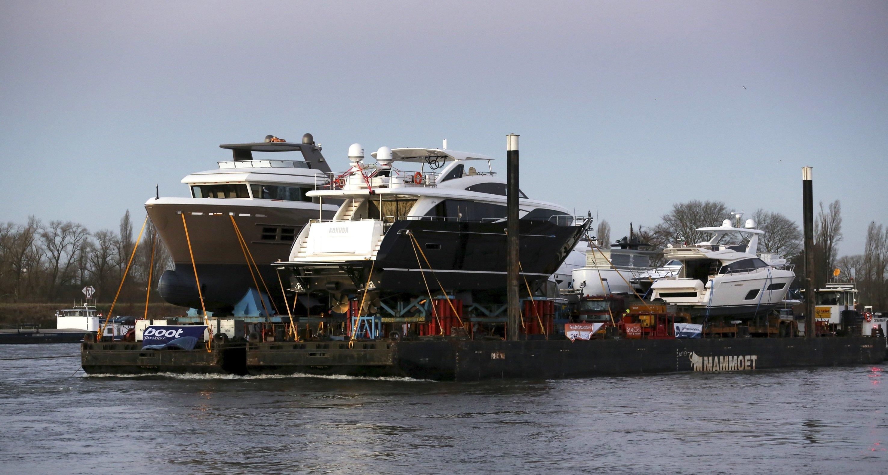 Die M 30 des niederländischen Yachtbauers Princess ist die größte Yacht der Boot 2016. Sie wurde mit sechs anderen Yachten auf einem Ponton in vier Tagen von Rotterdam über den Rhein nach Düsseldorf gebracht.