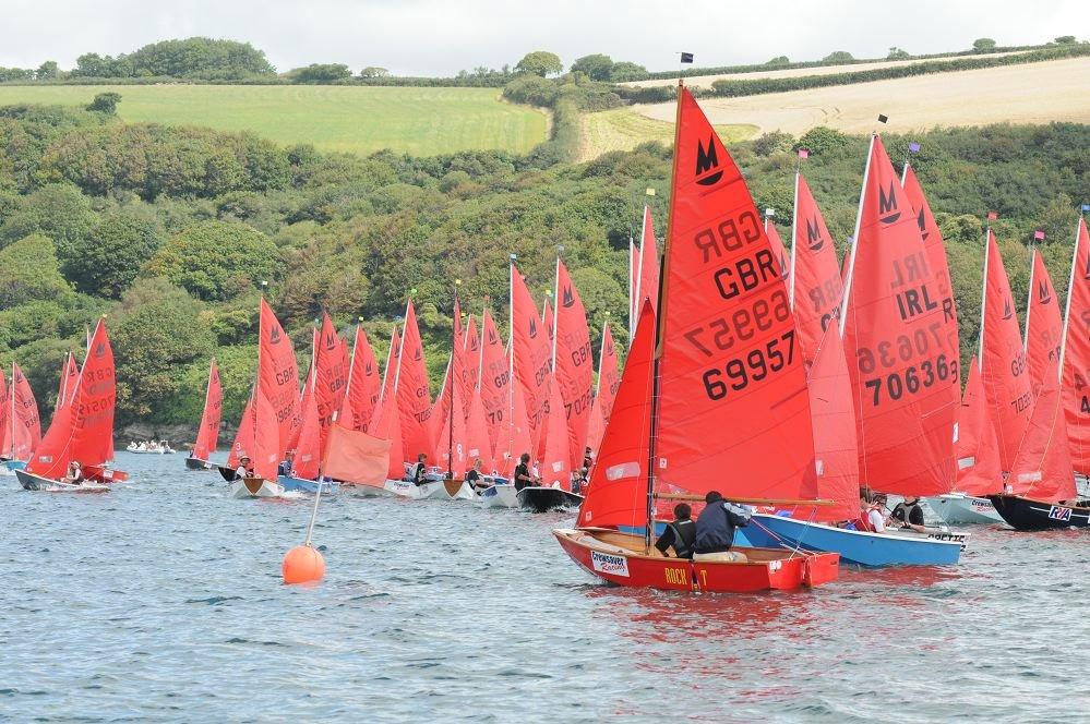 Rennen mit dem Dinghy Mirror:Das kleine Segelboot Mirror wurde seit 1963 schon mehr als 70.000 Mal verkauft und ist damit das meist verbreitetste Segelboot der Welt.