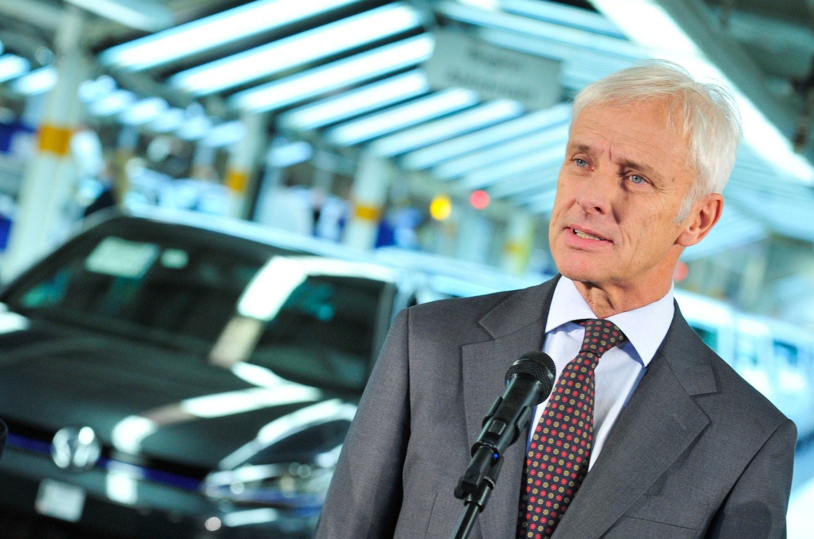 VW-Chef Matthias Müller hat ein Herz für US-Kunden: Die bekommen Entschädigung wegen des Dieselskandals. Die ebenso betroffenen 8,5 Millionen Kunden in Europa sollen dagegen keine Entschädigung bekommen.