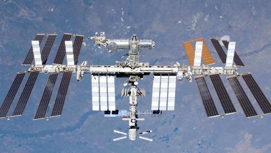 Internationale Raumstation ISS: So ein Leben im All kann für Astronauten ganz schön gefährlich werden.