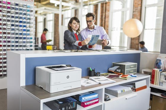 Der erste Arbeitstag in einem neuen Unternehmen ist nicht ganz einfach. Wir haben für Sie die wichtigsten Tipps zusammengestellt.