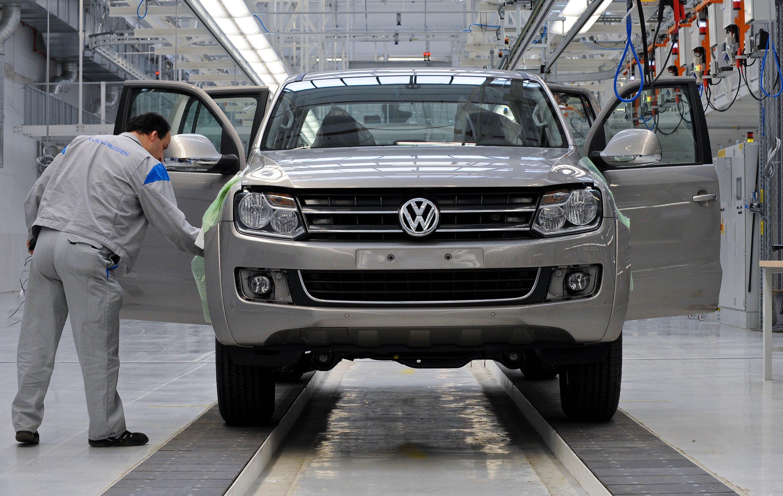 VW Amarok im Volkswagen Nutzfahrzeugwerk in Hannover. In Deutschland müssen rund 8000 Exemplare des Pick-up zum Softwareupdate in die Werkstatt.