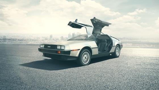"""Zeitreise gefällig: Das Kultauto aus """"Zurück in die Zukunft"""" soll wieder auf die Straße kommen.Das texanische Unternehmen DeLorean Motor Company (DMC) will eine Replik des 1982-Modells<emphasize></emphasize>DMC-12auf den Markt bringen. Für betuchte Liebhaber."""