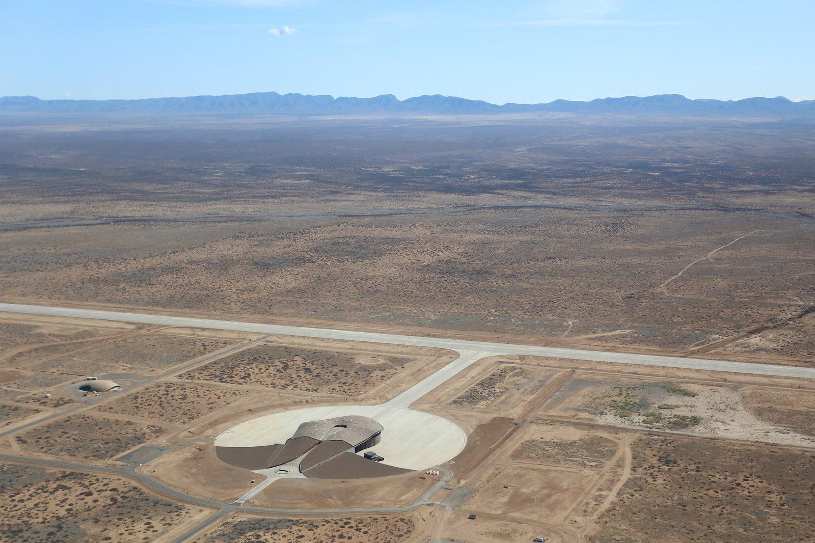 Hier, auf dem Gelände von Spaceport America, testet Google derzeit seine Solardrohnen für schnelles Internet.